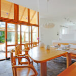 Wie verkaufe ich ein 25 Jahre altes Einfamilienhaus im Landhausstil?